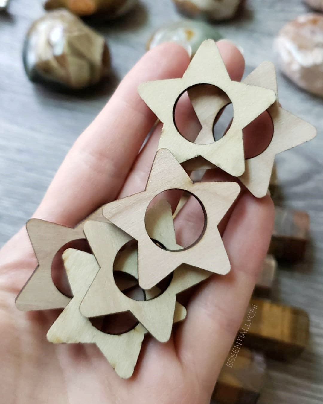 Wooden Star Sphere Stand - essentialchijewelry