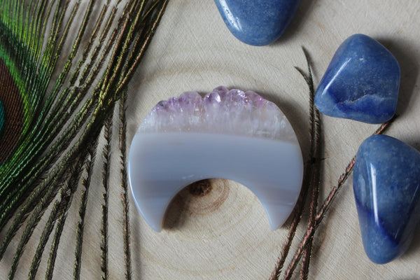 Amethyst Crystal Moon Carving 1C - essentialchijewelry