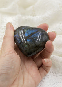 Blue Flash Labradorite Heart 18LH