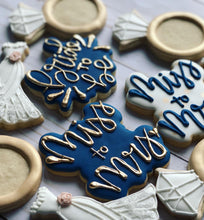 Load image into Gallery viewer, Wedding Bridal shower cookies