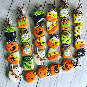 Halloween mini cookies in a bag
