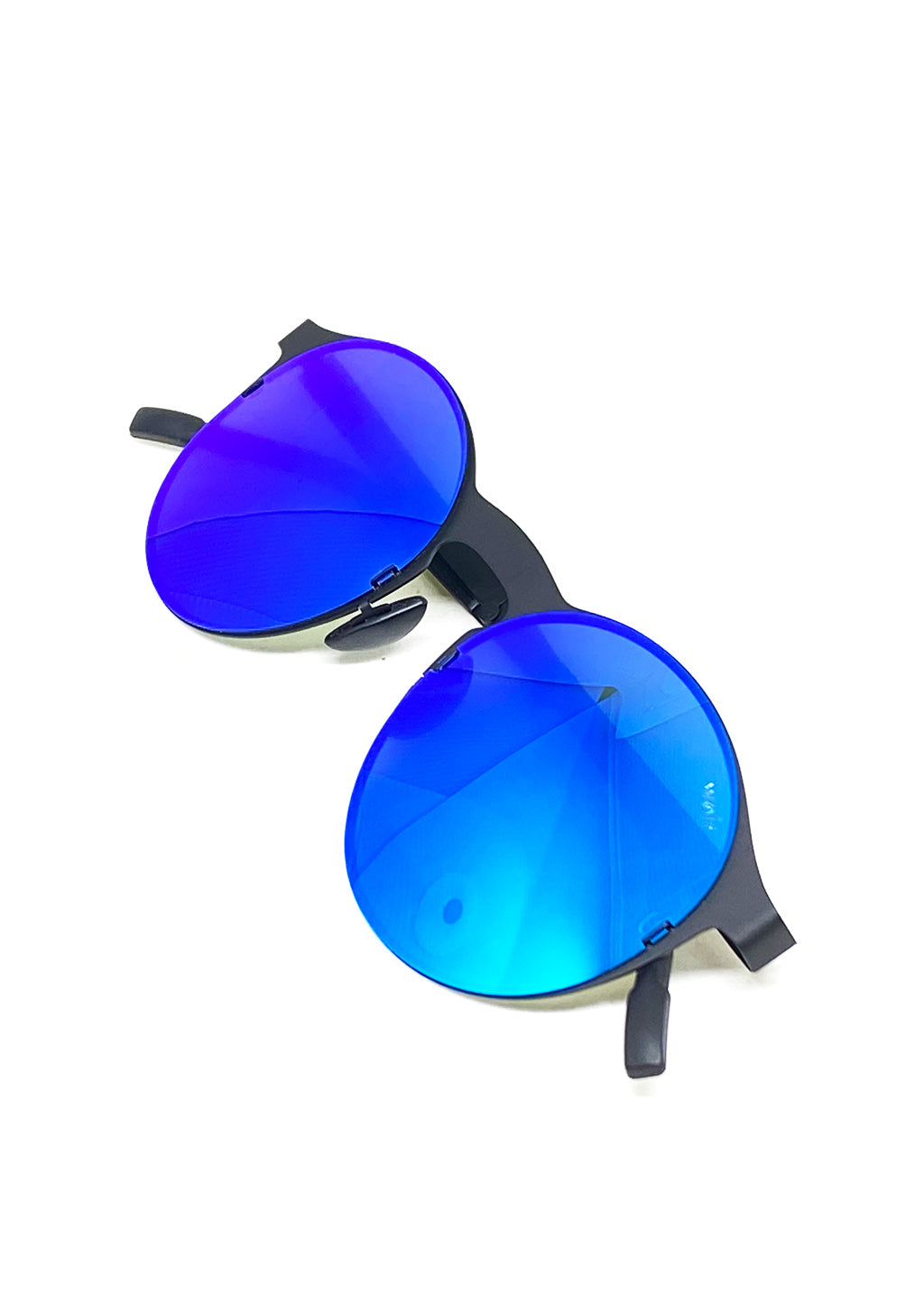Foldable sunglasses - Looper classic round design - Laying down.
