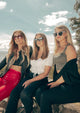 Magnolia Wayfarer sunglasses - Team of female Wolt models