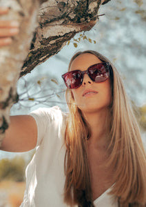 Magnolia Wayfarer sunglasses - On Swedish female model