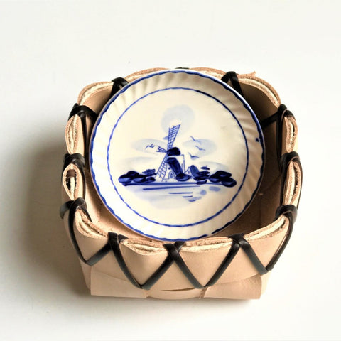 TABLETOP BASKET PLANTER WITH VINTAGE DELFT BLUE HOLLAND WINDMILL SCENE SAUCER