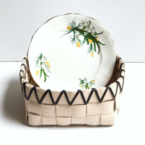 TABLETOP BASKET PLANTER WITH VINTAGE 1947 FLORAL BONE CHINA