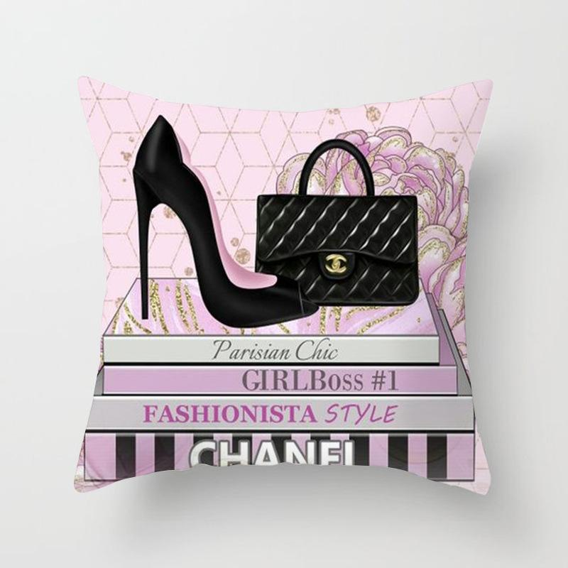 Chanel Chic Wallencia