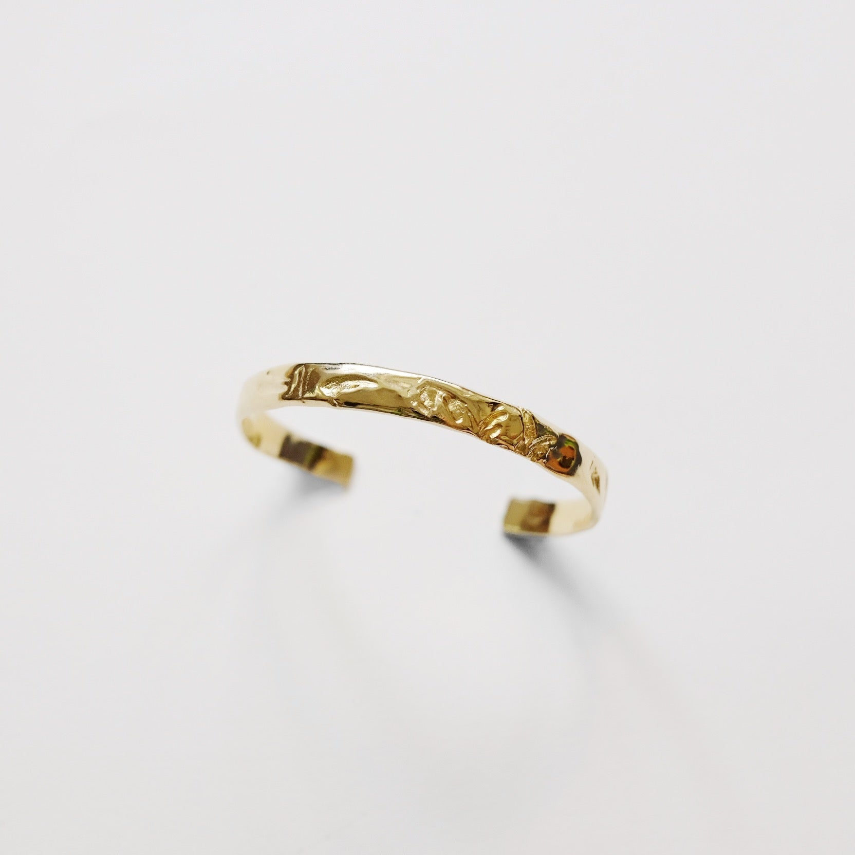Grass Memory Bangle (Gold)