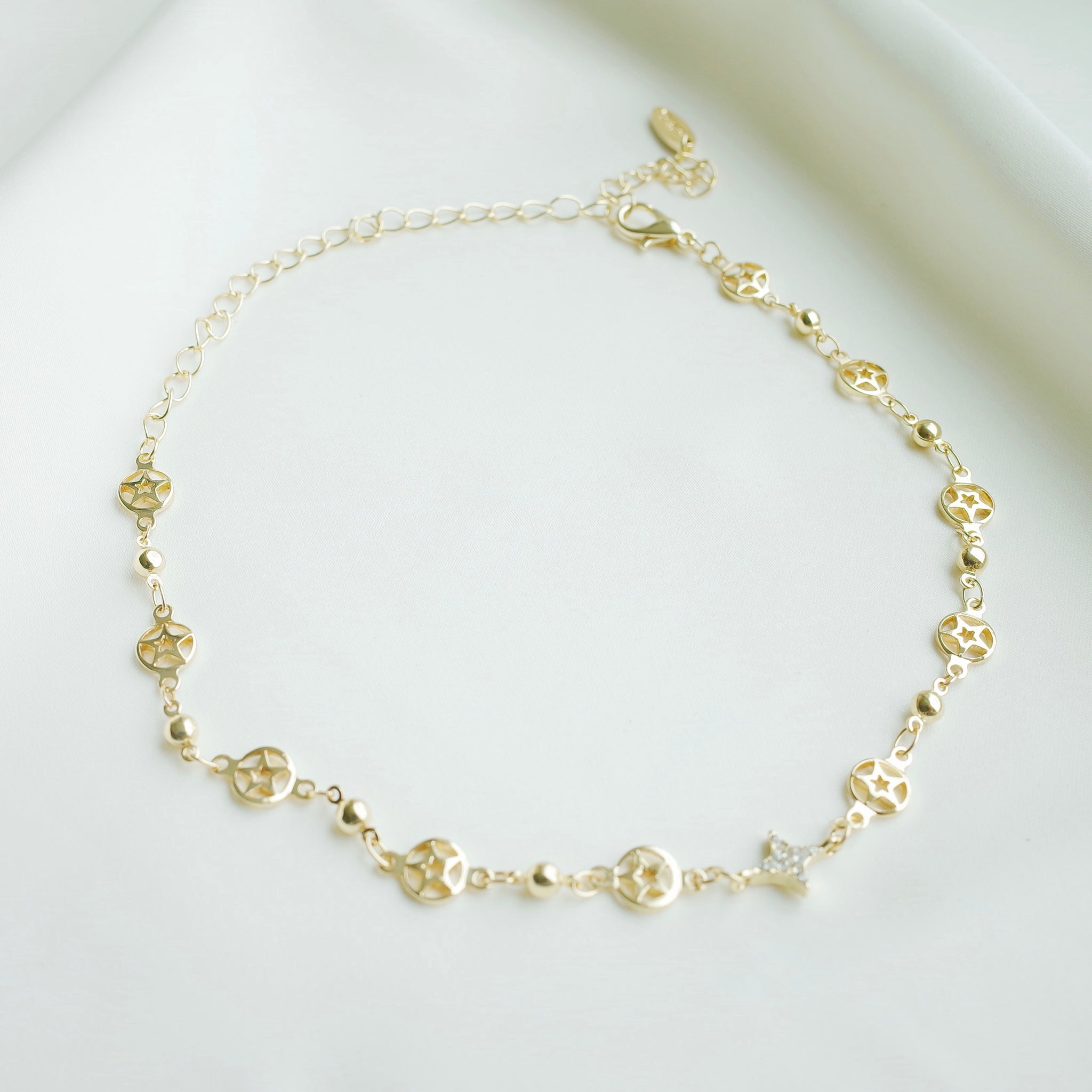Pure Stardust Choker in Gold