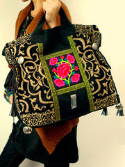 pass by :: embroidery tote shoulder bag