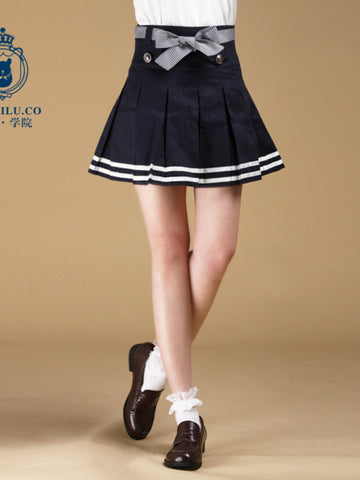 scholarly pleated bow skirt