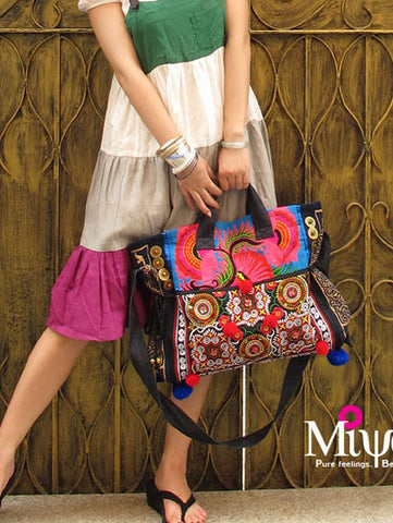 summer blooming embroidered messenger bag