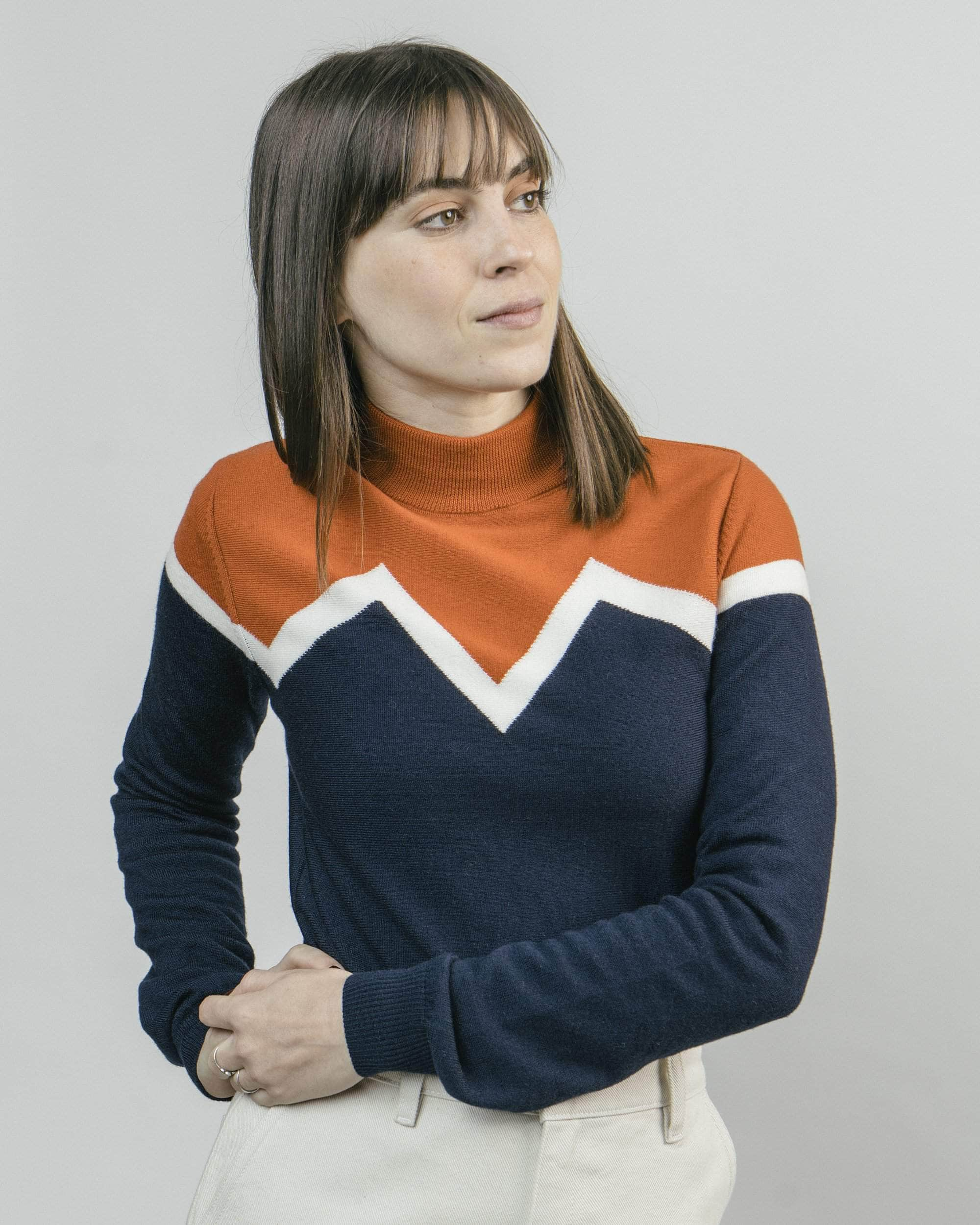 Shop sustainable and fairtrade apparel online. Model Winter Peak Pullover Orange Neck.Official Brava Fabrics store, worldwide express shipping.