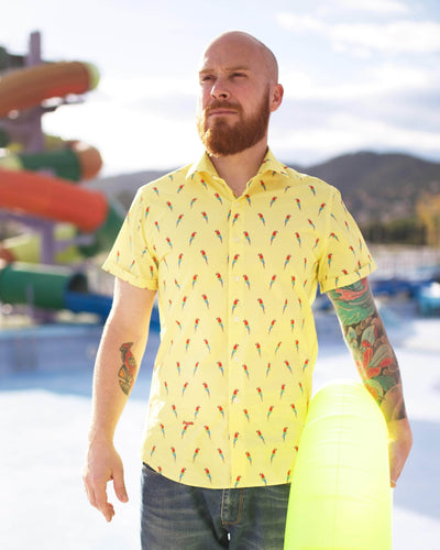 Brava Fabrics - Short Sleeve Shirts Men - Short Sleeve Men - Casual Shirts Men - Regular Fit - 100% Cotton - Yellow - Model Pura Vida
