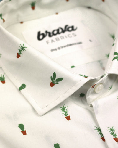 Brava Fabrics - Short Sleeve Shirts Men - Short Sleeve Men - Casual Shirts Men - Regular Fit - 100% Cotton - White - Model Apartment Plants