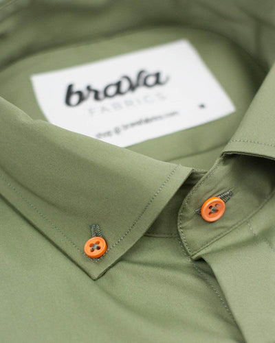 Brava Fabrics - Short Sleeve Shirts Men - Short Sleeve Men - Casual Shirts Men - Regular Fit - 100% Cotton - Green - Model Adventure Essential