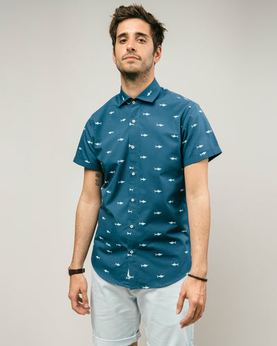 Brava Fabrics - Short Sleeve Shirts Men - Short Sleeve Men - Casual Shirts Men - Regular Fit - 100% Cotton - Blue - Model Sharks