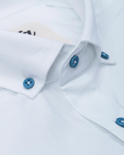 Brava Fabrics - Short Sleeve Shirts Men - Short Sleeve Men - Casual Shirts Men - Regular Fit - 100% Cotton - White - Model Linen Santorini Essential