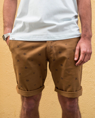 Brava Fabrics - Men's Shorts with Print - Chinese Shorts for Men - Casual Bermuda Shorts - 100% Cotton - Brown - Model Kayak to Greenland