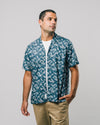 Brava Fabrics - Aloha Shirt - Hawaii Shirt for Men - 100% Organic Cotton - Model The Osaka Parasol