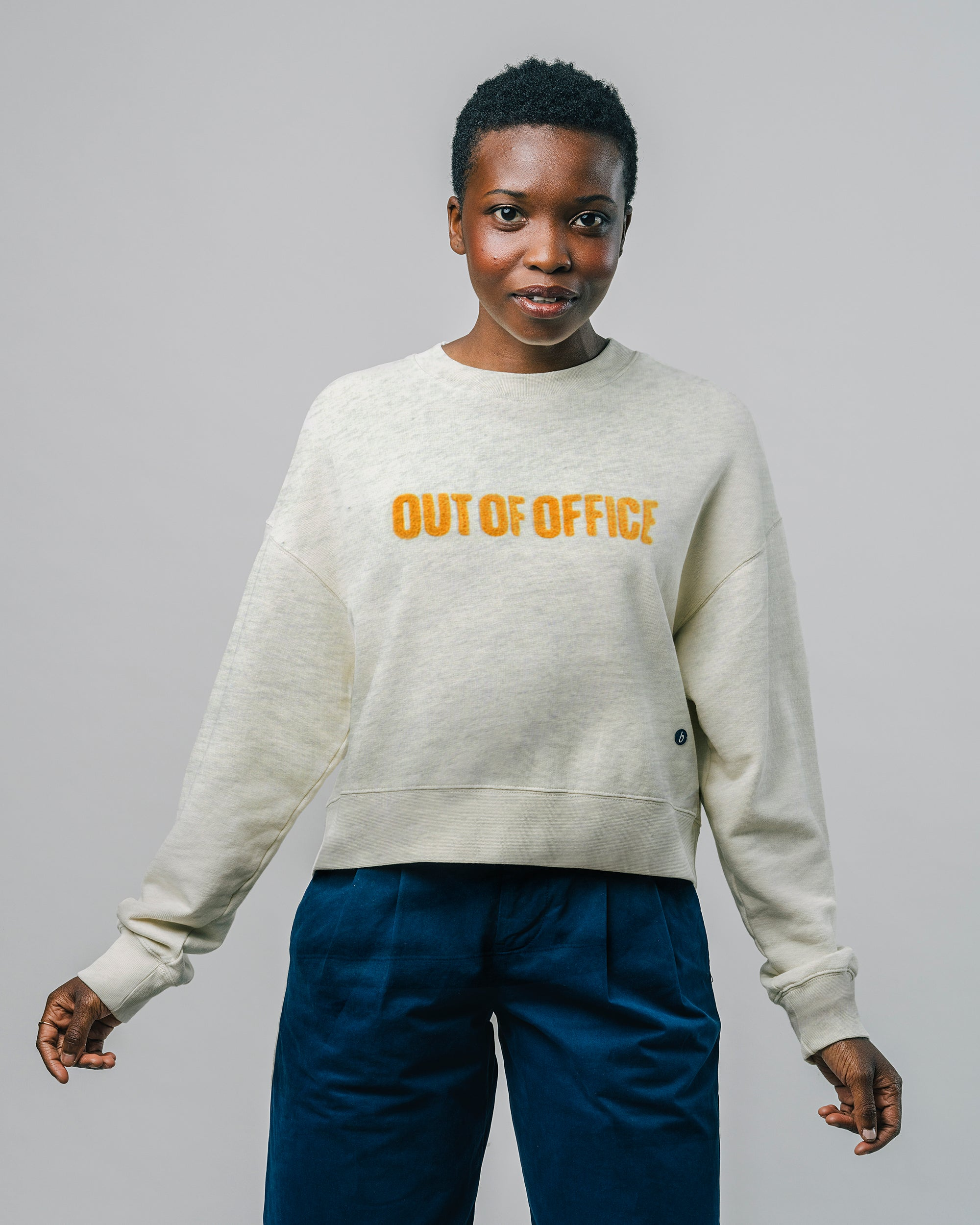 Shop sustainable and fairtrade apparel online. Model Sweatshirt Out of Office. Official Brava Fabrics store, worldwide express shipping.