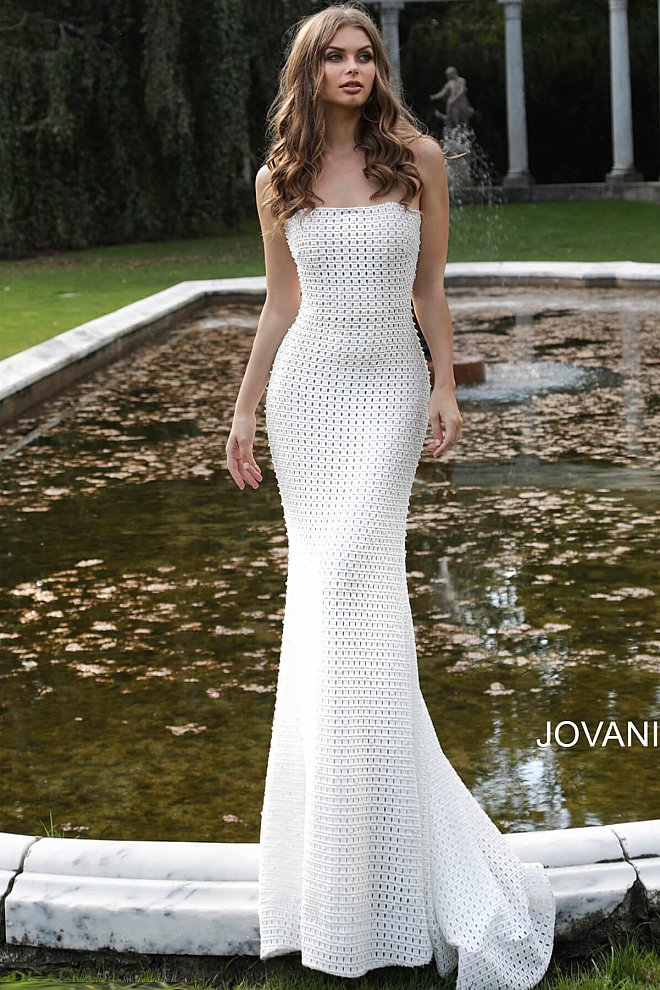 Ivory Nude Strapless Form Fitting Wedding Dress 63393