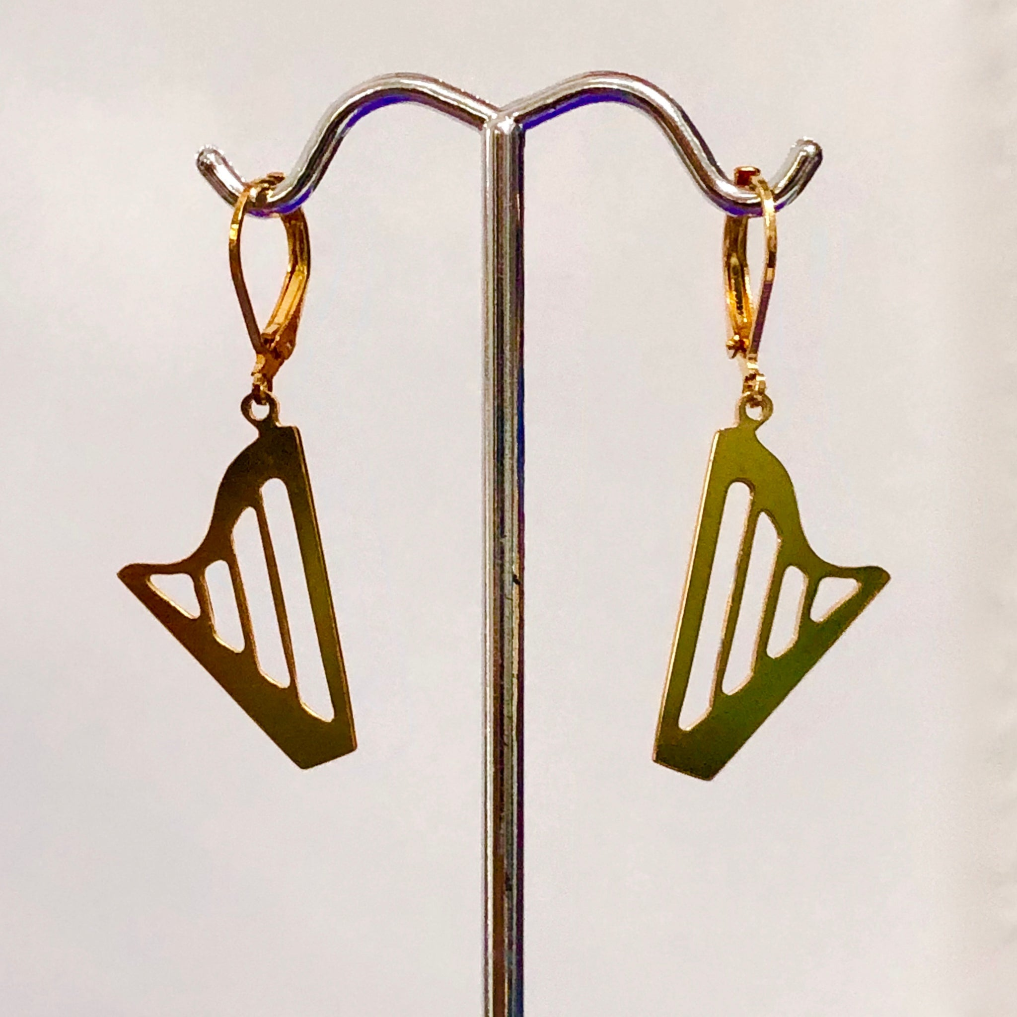 GOLDEN CLASSIC HARP EARRINGS with HINGED CLASP