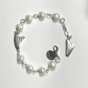 Pearls and 2 harps bracelet
