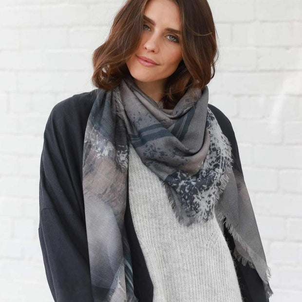 IN PLAIN SIGHT wool scarf