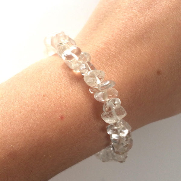 Clear quartz rock crystsl gemstone chip bracelet