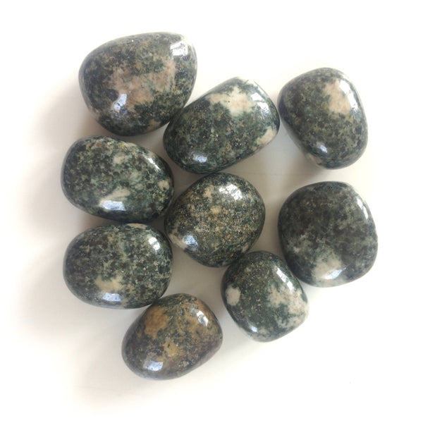 Preseli bluestone green tumbled stone medium Stonehenge 20mm