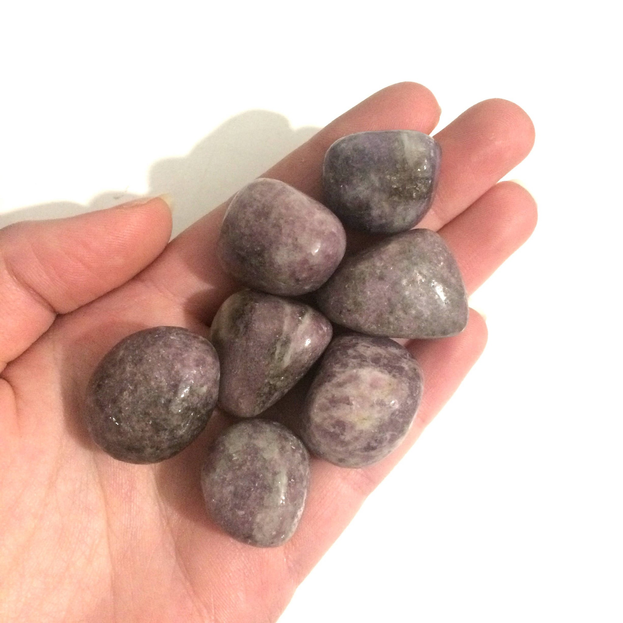 Lepidolite tumbled stone medium 20mm