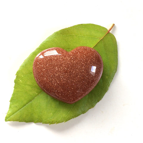 Goldstone heart shaped smooth palm stone pocket healing 30mm