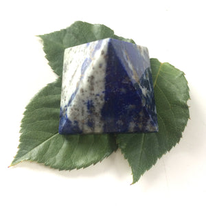 Lapis lazuli pyramid polished point 35mm