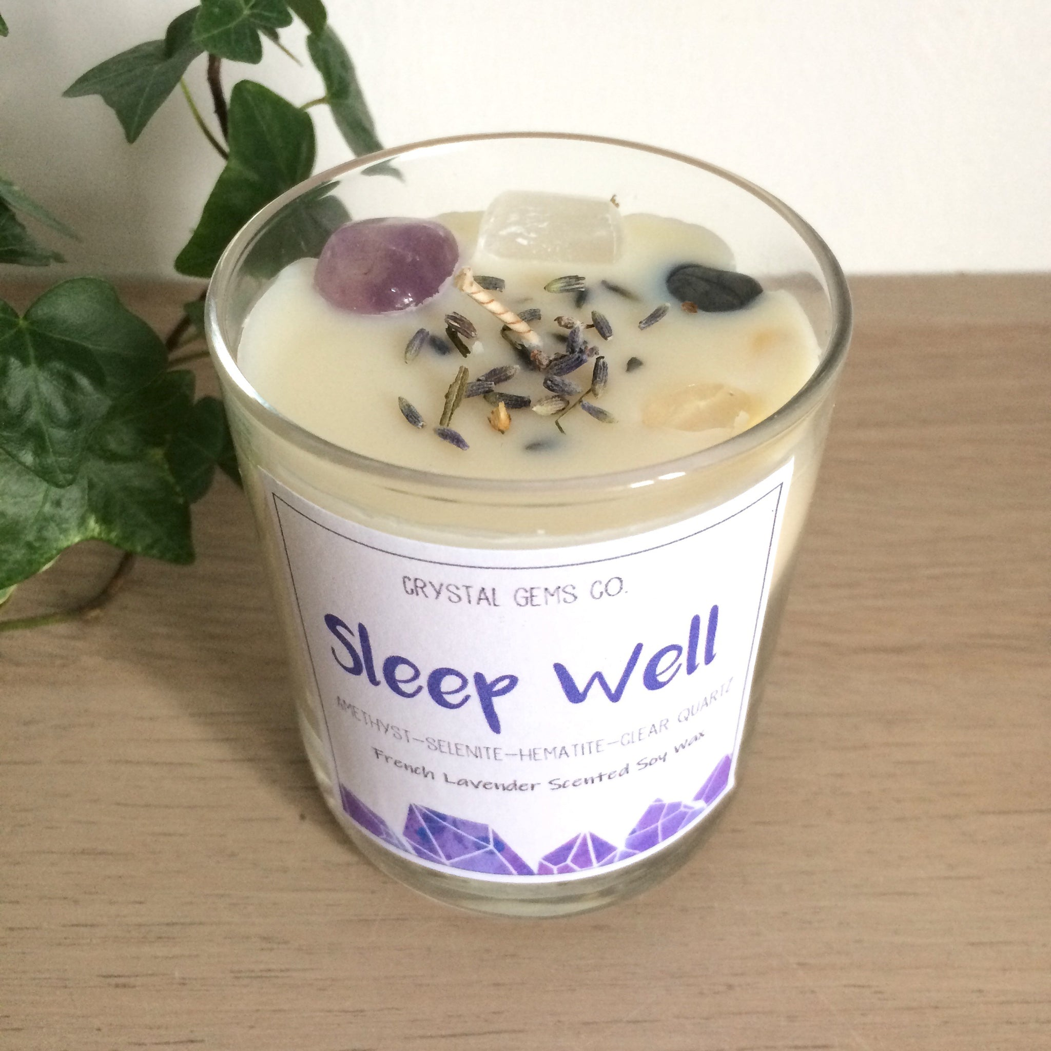 Sleep well soy wax candle Amethyst, Clear quartz, Selenite and Hematite tumbled stone Lavander scent