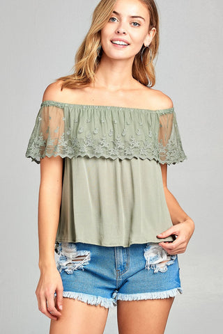 Ladies fashion off the shoulder w/lace ruffle crinkle gauze woven top - myfoxyfarmdesigns.com