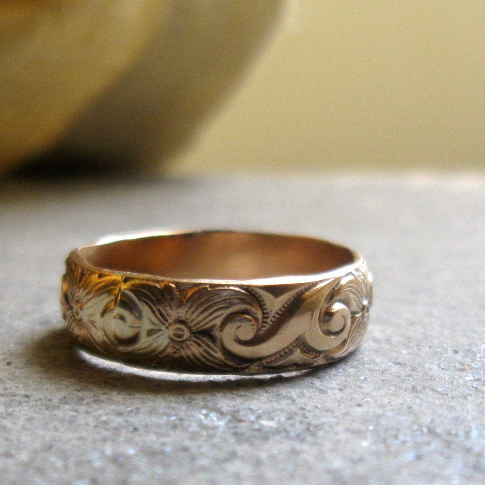 bold gold pattern band ring unique wedding ring - Wedding Rings Unique