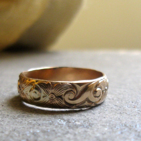 Bold gold pattern band ring - unique wedding ring