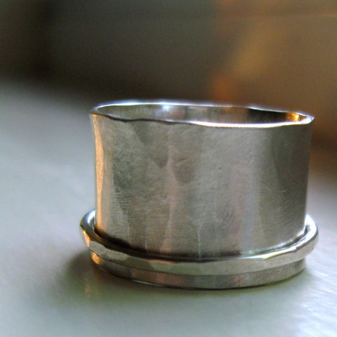 Silversmith rustic sterling silver spinner ring