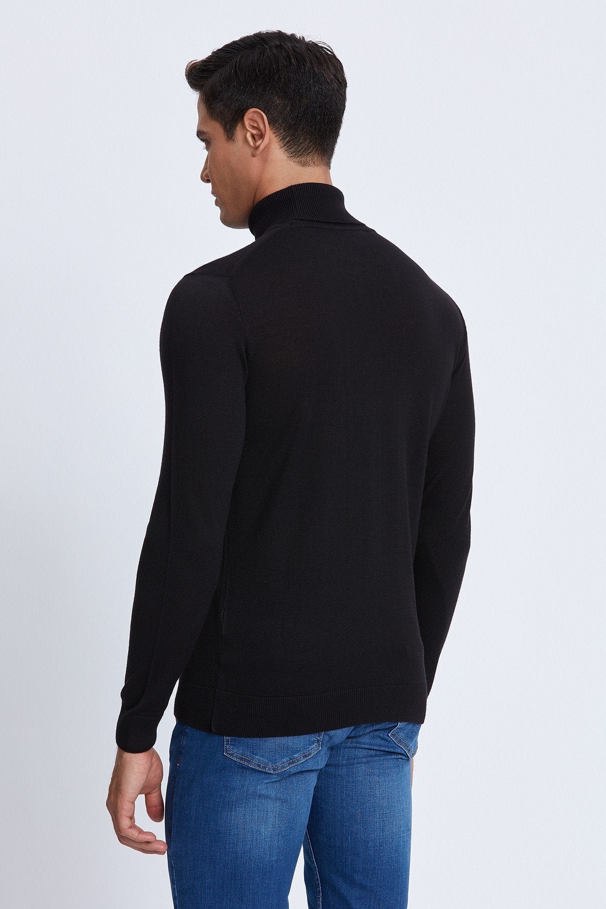 Turtleneck Merino Sweater in Black