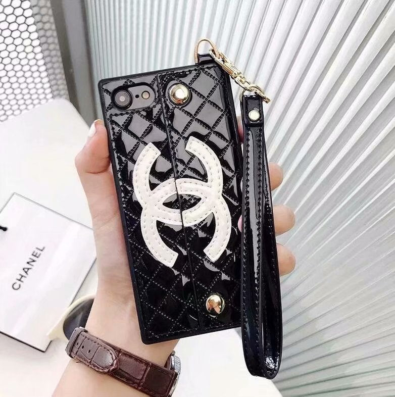 low priced 633ea 4e7fb Chanel Phone Case for Iphone