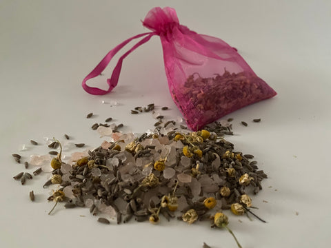 Relaxing Detoxifying Himalayan Herbal Bath Salt - Chamomile -Lavender  25g