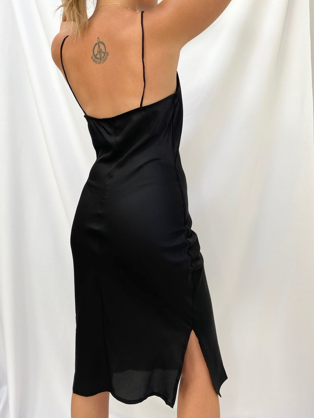 Robe midi en satin noire - Fancy