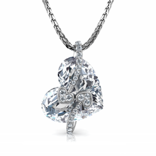 Load image into Gallery viewer, Crystal Heart pendant