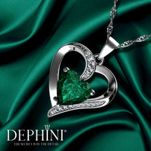 Load image into Gallery viewer, Green Heart pendant necklace