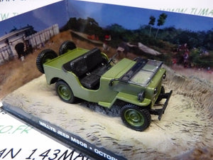 JB46E voiture 1/43 IXO 007 JAMES BOND  : JEEP WILLYS M606 Octopussy