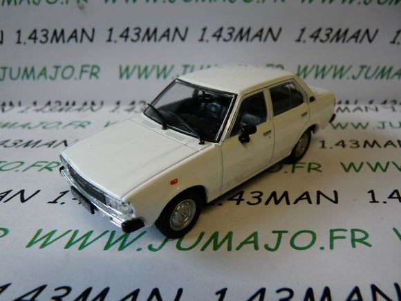 PL203 VOITURE 1/43 IXO IST déagostini POLOGNE : TOYOTA COROLLA E70