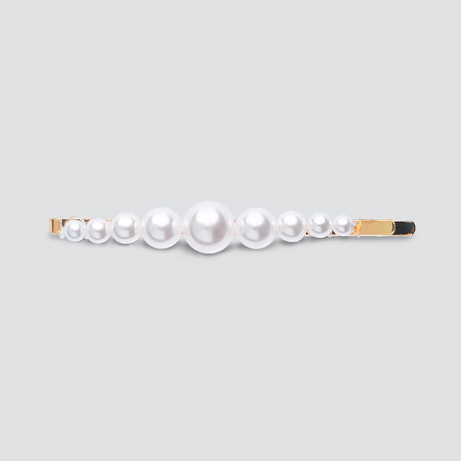 Graduated Faux Pearl Cream Scatter Clips