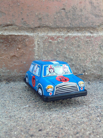 Wind Up Tin mini #103m