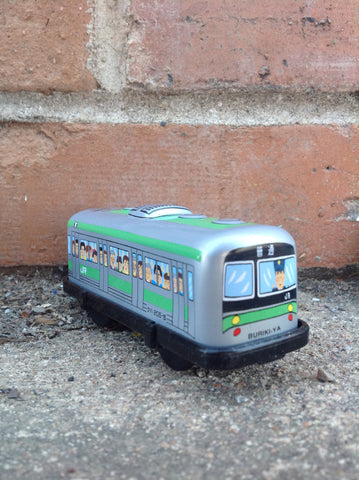 Wind Up Tin Train Single Car - green boxcar #226gbc